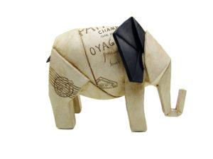 Origami Elefant - Zeitung Frankreich Paris