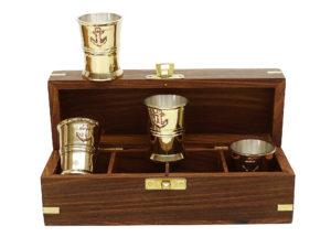 Seaclub Rum Schnaps Becher 4er-Set Teak-Holz Box 9192